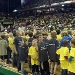 SV Lok Rangsdorf Maxis beim Nachfuchsturnier 2012 - Einlaufen der Turnierteilnehmer vor ausverkaufter Max- Schmeling Halle